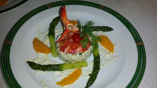 La table de victor : Remoulade asperges et homard.vinaigrette d agrumes.