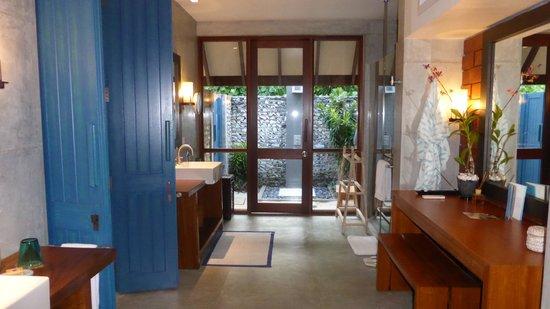 Four Seasons Resort Maldives at Landaa Giraavaru: Bathroom