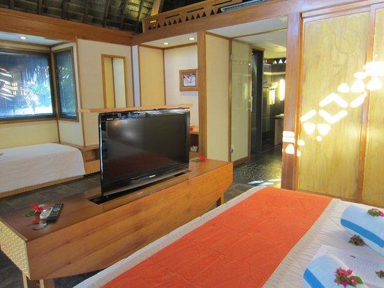 Armoire Chambre Avec Tv chambre avec tv intégrée dans le meuble - picture of maitai lapita