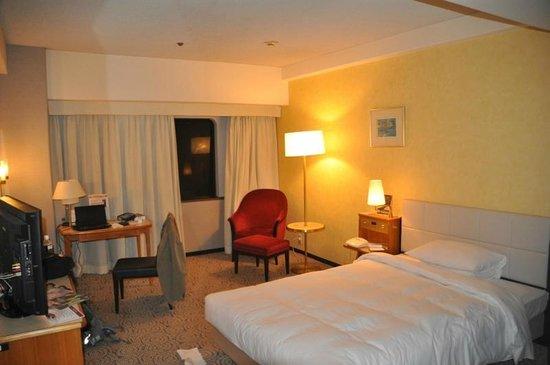 Hotel New Otani Hakata: wide room