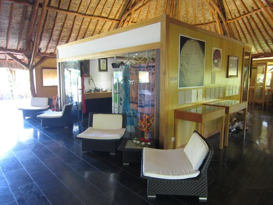 Maitai Lapita Village Huahine: Réception boutique