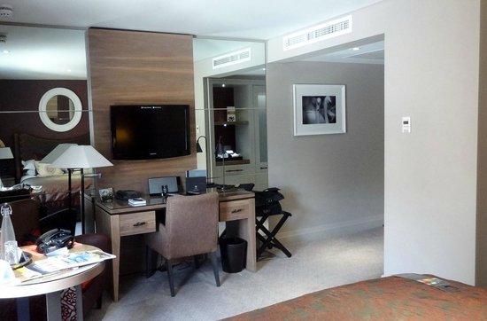 Macdonald Windsor Hotel : Spacious room
