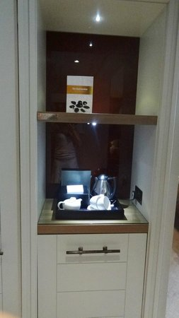 Macdonald Windsor Hotel : Tea/coffee making facilites