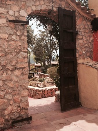 Ibiza Rocks House at Pikes Hotel: View from the courtyard