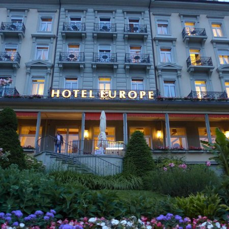 Grand Hotel Europe: Front of the hotel