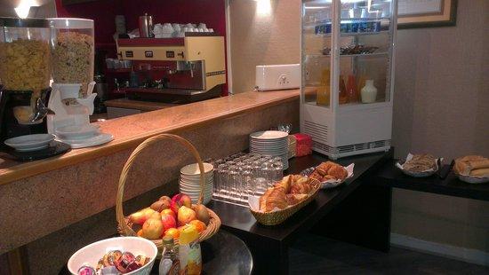 Hotel Ambassadeurs : petit déjeuner
