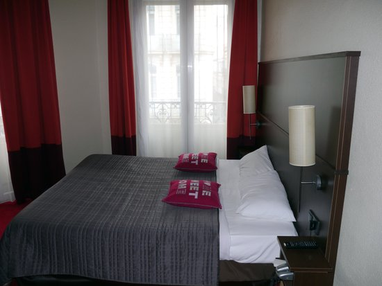 Hotel Ambassadeurs : Chambre double