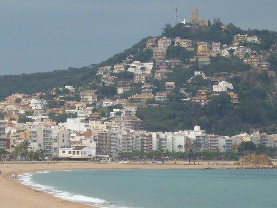 Hotel & Spa Pimar: Вид с пляжа возле отеля