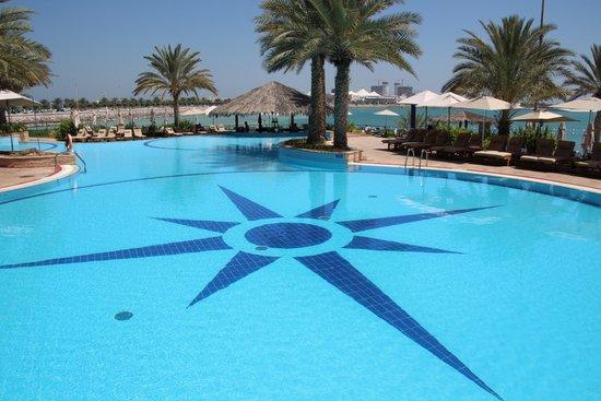 Hilton Abu Dhabi : water perfect op temperatuur