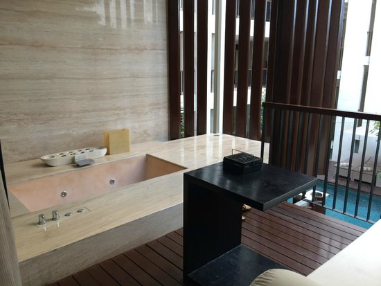 Anantara Seminyak Bali Resort: Balcony