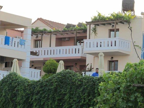 Kokalas Resort Georgioupoli : view of apartment