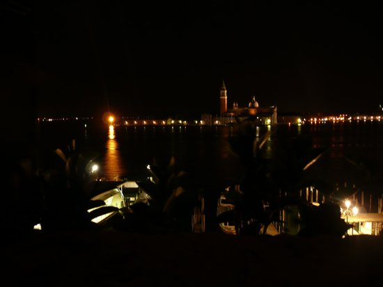 Hotel Wildner: Night view from room