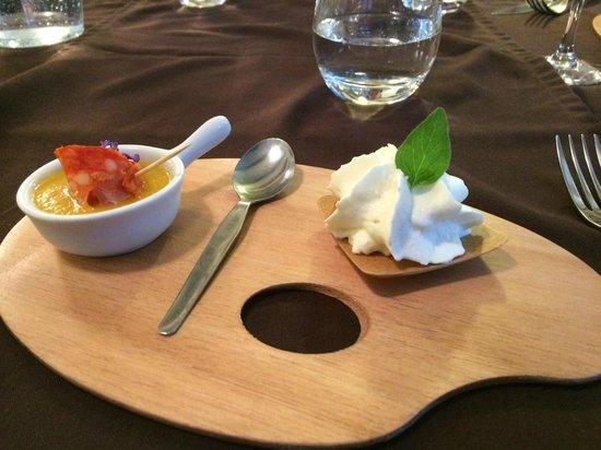 Restaurant Art et Galets: Petite mise en bouche (Melon-Chorizo-crême au fromage…)