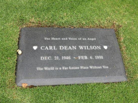 Pierce Brothers Westwood Village Memorial Park: Carl Wilson