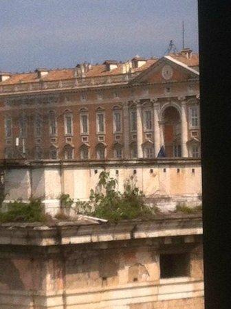 Hotel Royal Caserta : Vista sulla Reggia