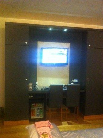 Hotel Royal Caserta : Smart TV