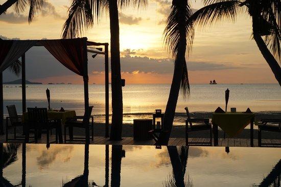 Tango Luxe Beach Villa: Sunset