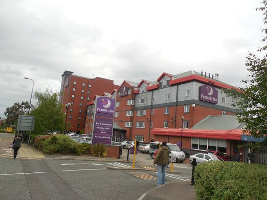 Premier Inn Manchester Old Trafford Hotel: View of Premier Inn