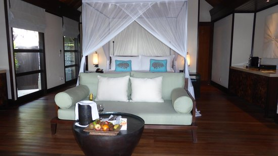 Four Seasons Resort Maldives at Kuda Huraa: Our Bungalow