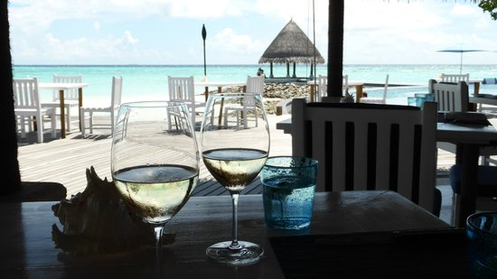 Four Seasons Resort Maldives at Kuda Huraa: Lunch at the Reef Club
