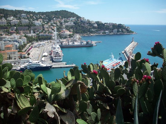 Friend in France Tours: above Nice, France