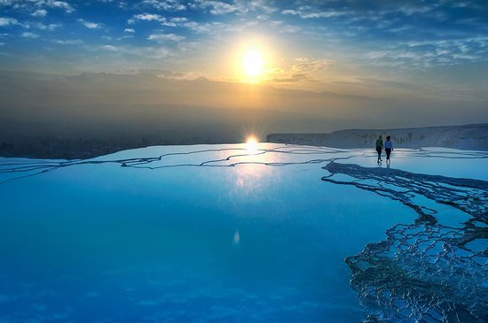 Tyrkiet: Are you looking for the perfect place to relax? Turkey's famous thermal springs at Pamukkale are