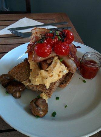 """Artist Residence Brighton: Este es el """"Mini"""" desayuno inglés, delicioso."""