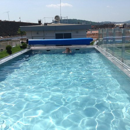 Continental Hotel Budapest: Roof-top outdoor pool