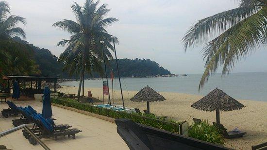 Hyatt Regency Kuantan : beach