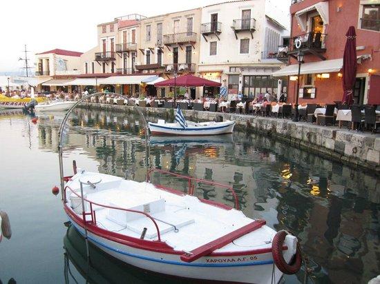 Taverna Knossos: Le vieux port