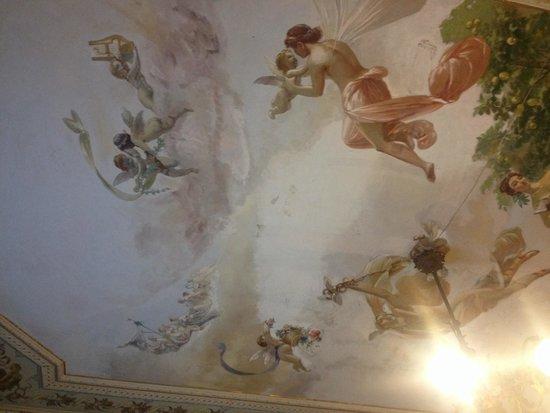 Casa Raffaele Conforti: Vernici soffitto