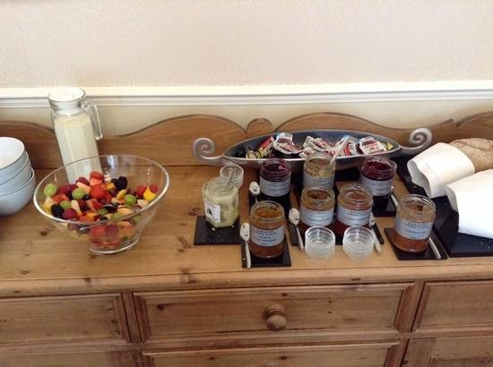 No. 21 York: fresh fruit salad and local preserves and honey for breakfast