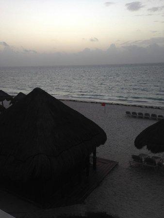 Now Sapphire Riviera Cancun: Sun Set