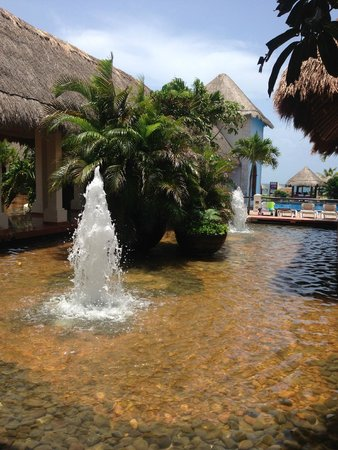Now Sapphire Riviera Cancun: Hotel Grounds