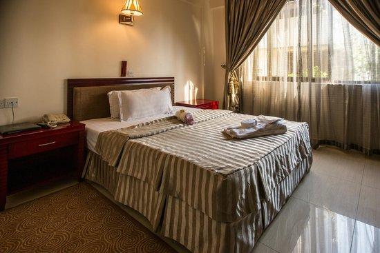 Sunlodge Hotel