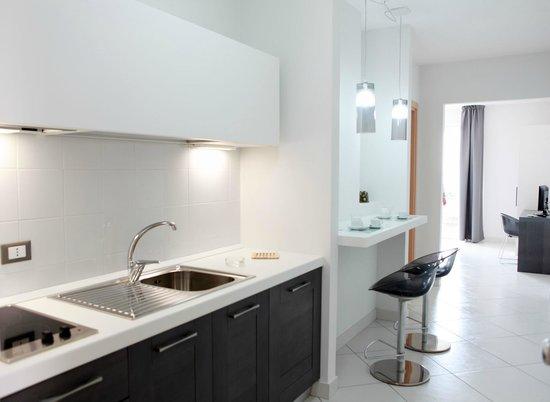 brezza di grecale residence cucine e soggiorno