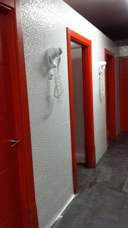 Botxo Gallery Youth Hostel : Banheiro