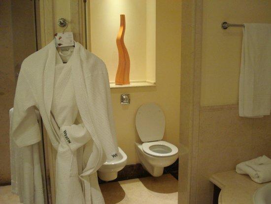 The Westin Dubai Mina Seyahi Beach Resort & Marina: salle de bain