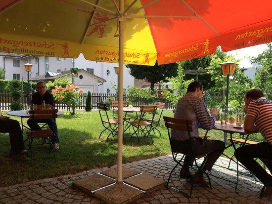 Trattoria Storchen : Wunderschöne Gartenwirtschaft