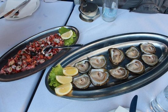 Kamenice: Oysters and Calamari