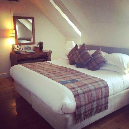 ABode Canterbury: Suite Bedroom - amazing bed!