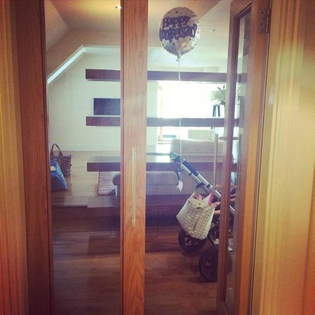 ABode Canterbury: Entrance to the lovely suite