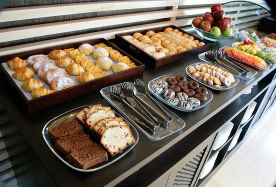 NH Alcorcón: Breakfast Bufet