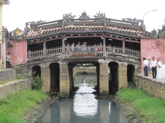Japanese Covered Bridge: Japanese Bridge
