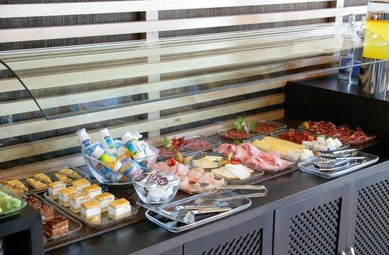 NH Alcorcón: Breakfast Buffeet