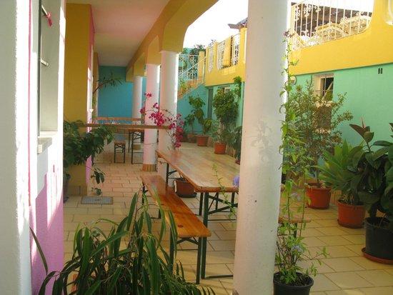 Vila Graciosa Guesthouse: patio