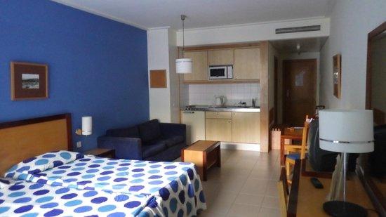 Terrace Mar Suite Hotel: номер на двоих с кухней