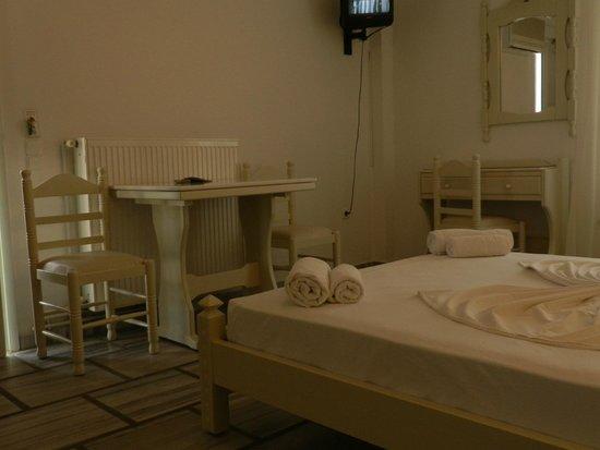 Adonis Hotel & Apartments: Studio No 18