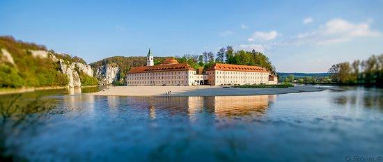 Klosterschenke Weltenburg: Kloster Weltenburg am Donaudurchbruch