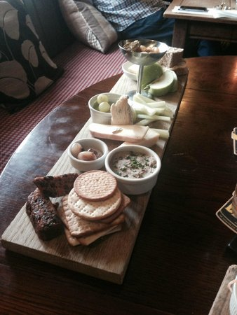 The Tempest Arms: Cheese & Pate Plank £11.50